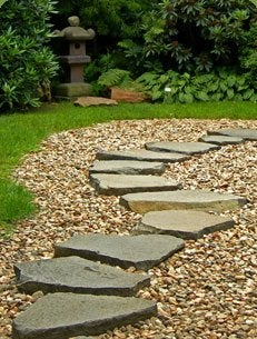 How to Lay a Stone Path - Pea Stone