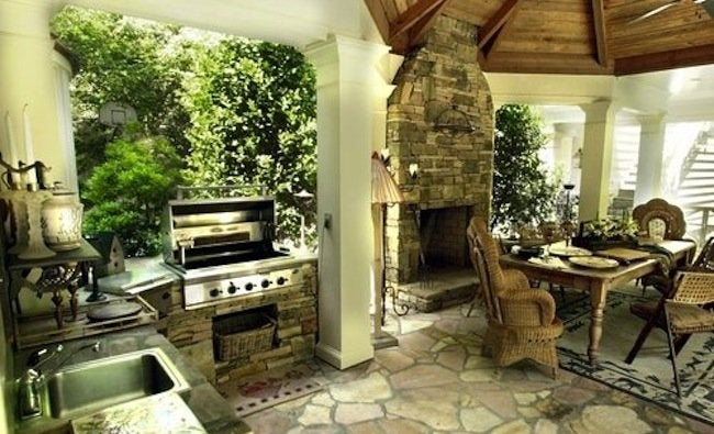 Home Improvements to Avoid - Outdoor Kitchen