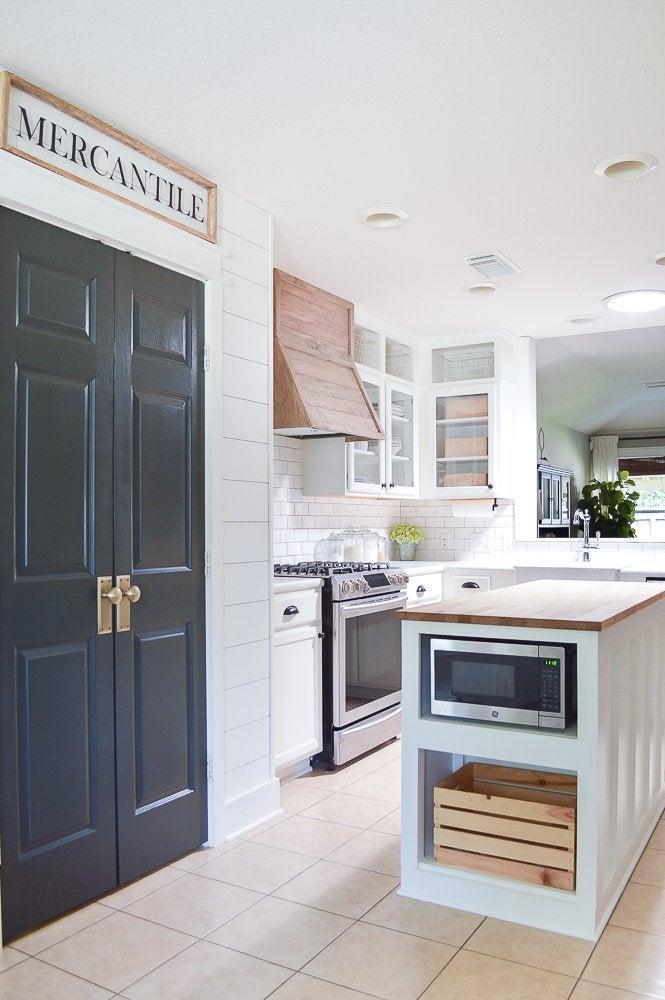 Farmhouse style kitchen littleredbrickhouse