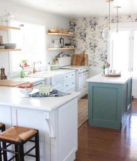 Thefestivefarmhouse kitchen