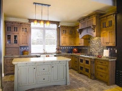 Stanisci Design Oak Mantle-Style Range Hood