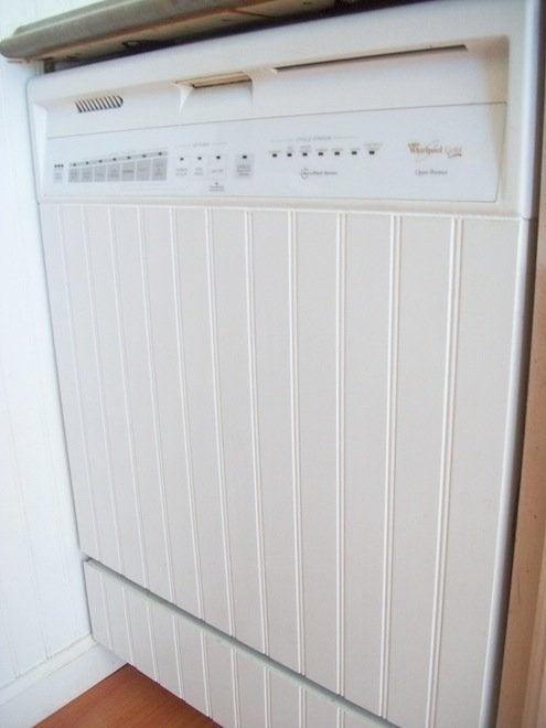 Carrrie4Six-beadboard-paneled-dishwasher