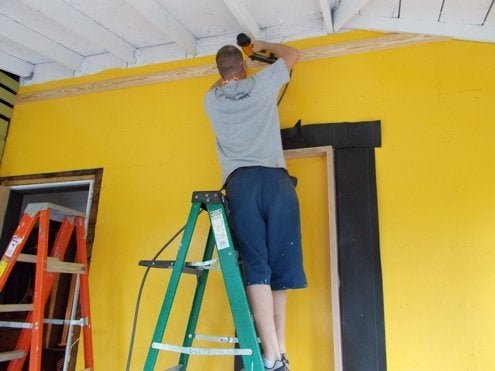 RenovationRoadTrip-86nit-marking-for-rafter-intersectscion-Bob-VilaPhoto4