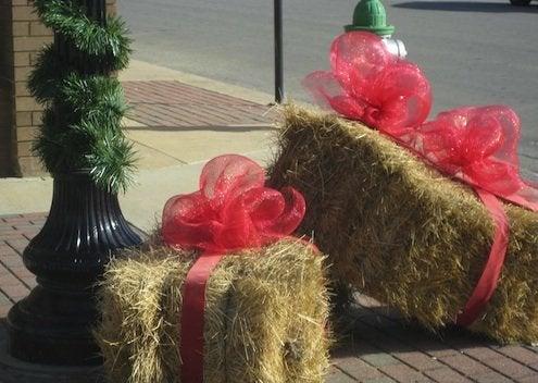 Straw Bale DIY - Holidays