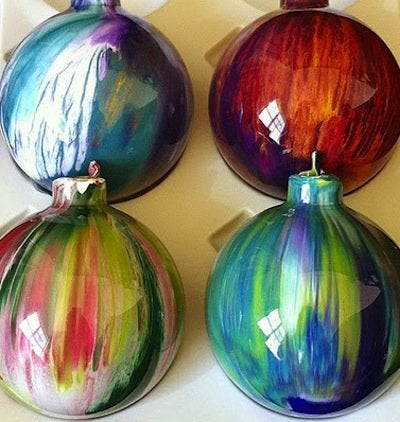 DIY Acrylic Paint Ornaments