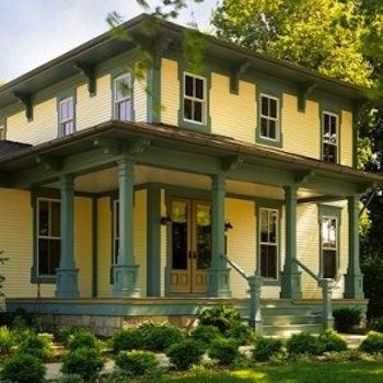 Vinyl Siding - Italianate House