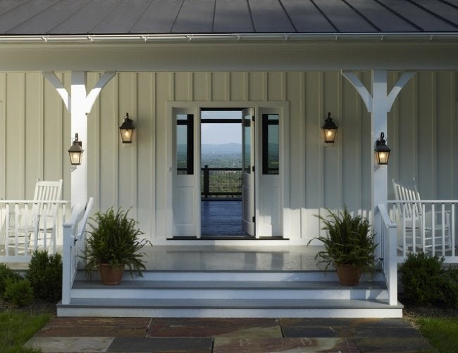 DIY Curb Appeal Projects - Outdoor Sconce