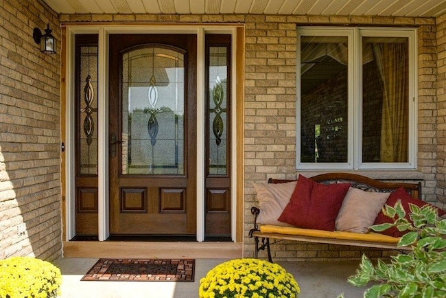 http://s3-production.bobvila.com/articles/wp-content/uploads/2013/07/Therma-Tru-EntryDoors-prweb.jpg