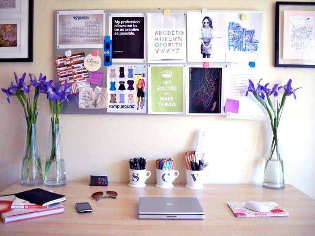 Dorm Room Ideas - Organized Desk