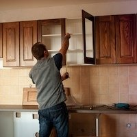 how-to-hang-kitchen-cabinets