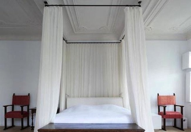 Diy Canopy Bed Curtain Rod