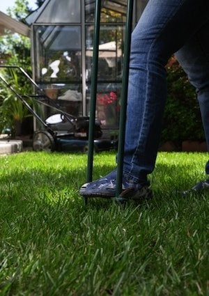 How to Aerate a Lawn - Spike