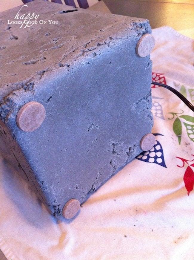 Felt pads for bottom of DIY concrete lamp