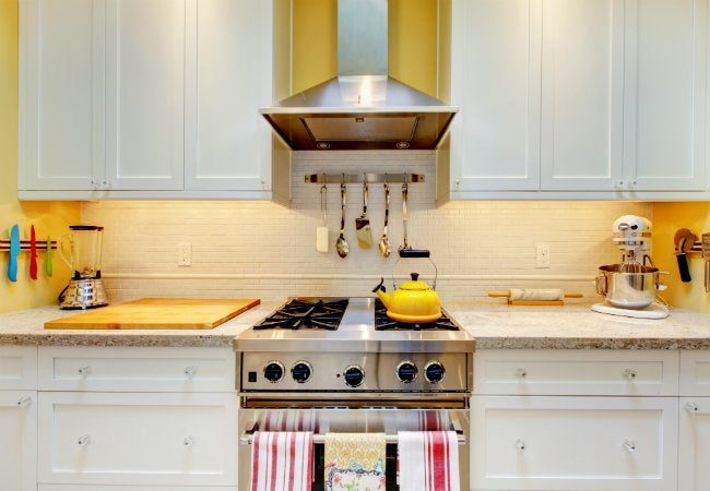 How to Clean Kitchen Cabinets