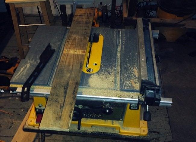 DIY Pallet Desk - Plane Boards