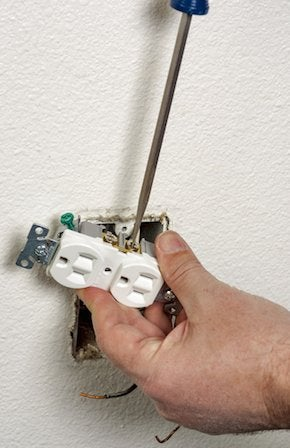 How to Wire an Outlet - Screwdriver