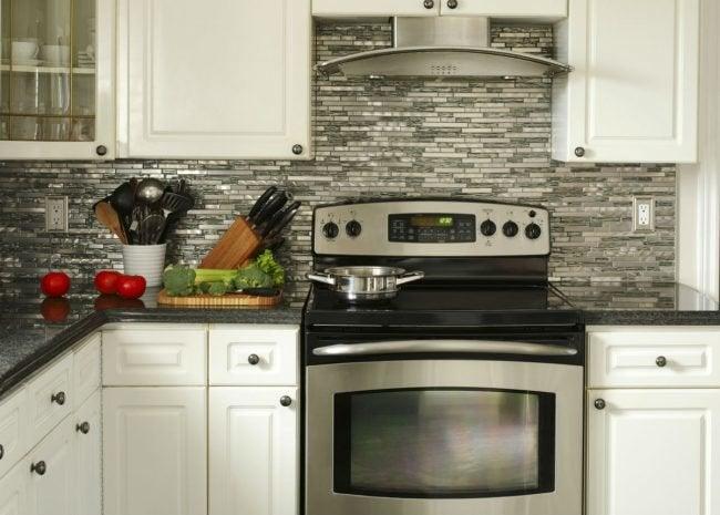 Gas vs. Electric Stove: 6 Big Differences Between the ...