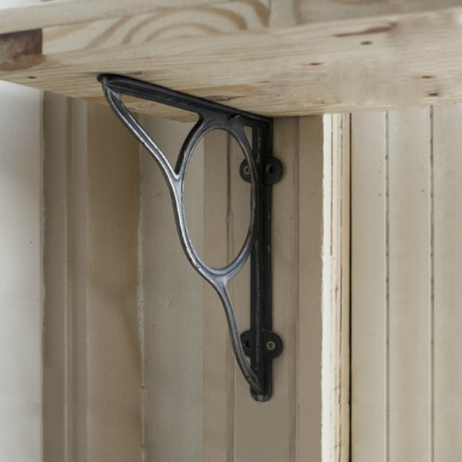 DIY Breakfast Nook - Shelf Bracket