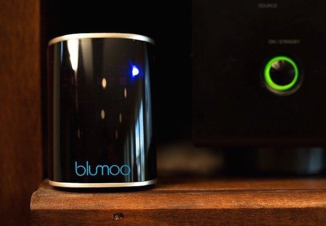 Blumoo Universal Remote - Device Close-up