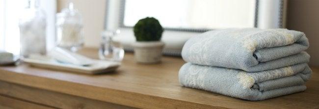 How to Declutter - Bathroom