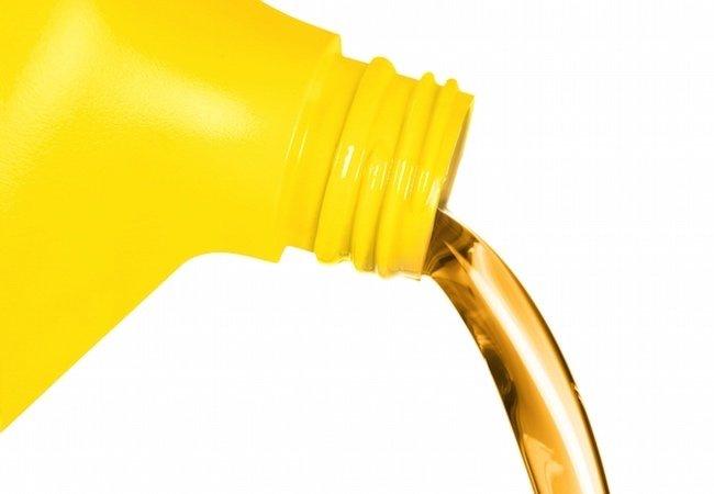 Lawn Mower Maintenance Tips - Engine Oil