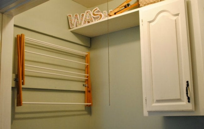 DIY Drying Rack - Wall-Mounted and Closed