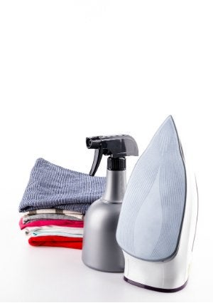 How to Clean the Bottom of an Iron - Clothes Iron