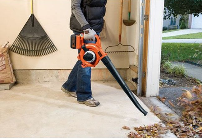 Best Leaf Blowers - Black and Decker