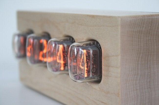 Tungsten Customs - Nixie Tube Clock Side View