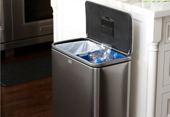 How to Deodorize Trash Can