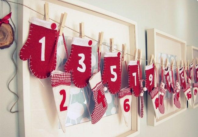 DIY Advent Calendar - Mitten Garland