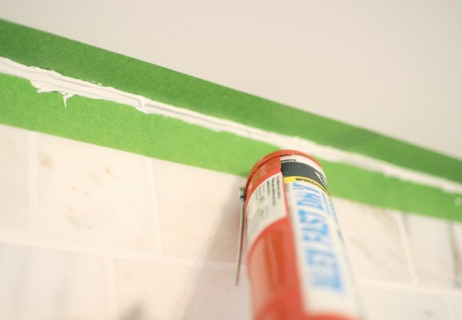 How to Use Painter's Tape - With Caulking