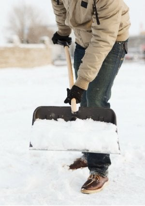 Easy Snow Removal - The Trick for Your Shovel