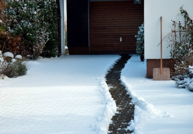 Easy Snow Removal - Use Cooking Spray
