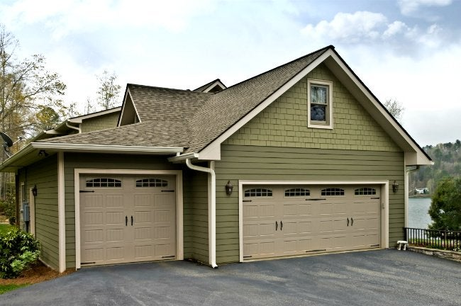 How to paint a garage door bob vila how to paint a garage door solutioingenieria Images