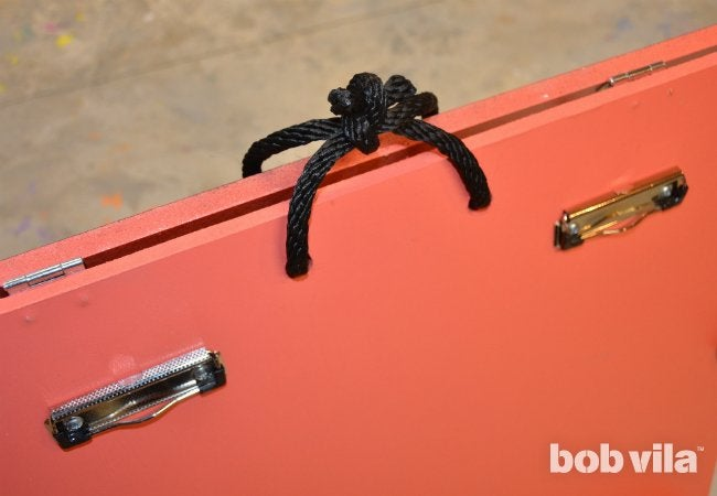 DIY Easel - Knotted Handle