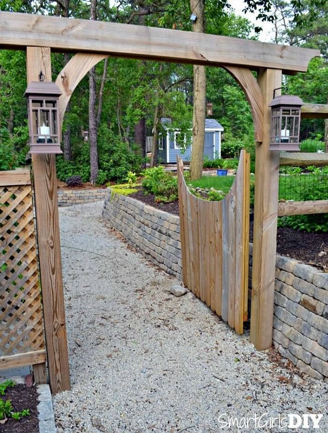 Diy fence gate 5 ways to build yours bob vila for Fence with arbor