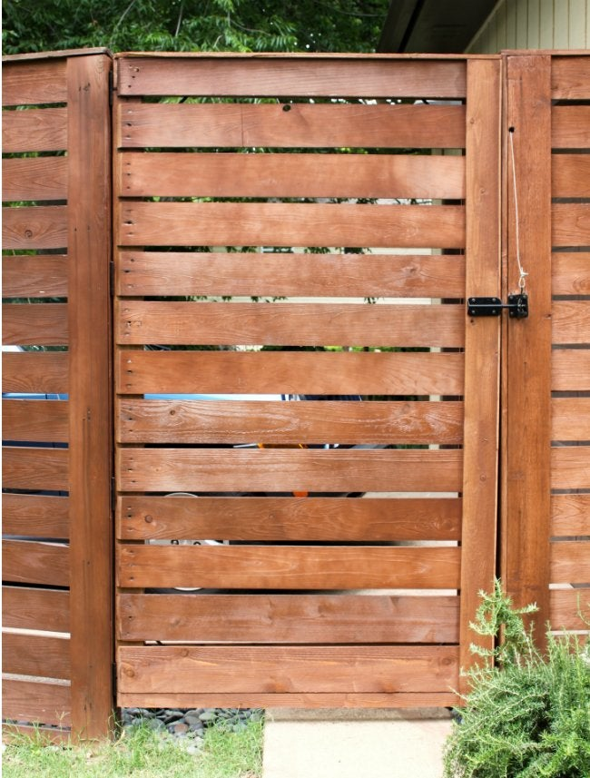 DIY Fence Gate - Horizontal Wood Slat Gate