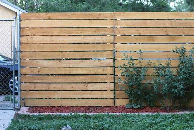 Genius the easy way to add privacy to a chain link fence How to disguise wood paneling