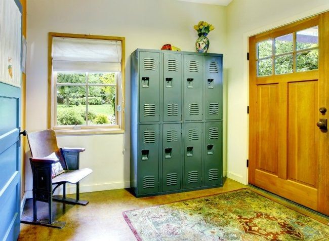 vintage-lockers-entryway