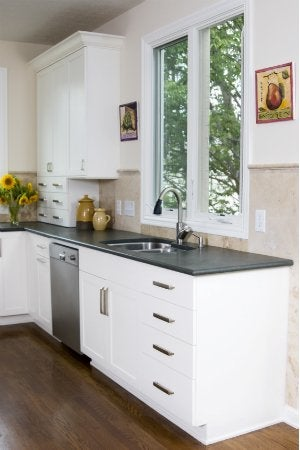 Painting Laminate Countertops - Dark Colored Countertops