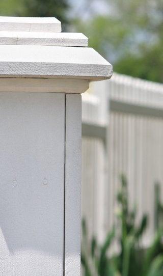 Setting Fence Posts - Dos and Don'ts - Bob Vila