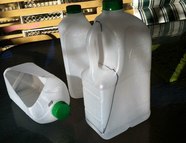 milk-jug-diy-garden-tools-2