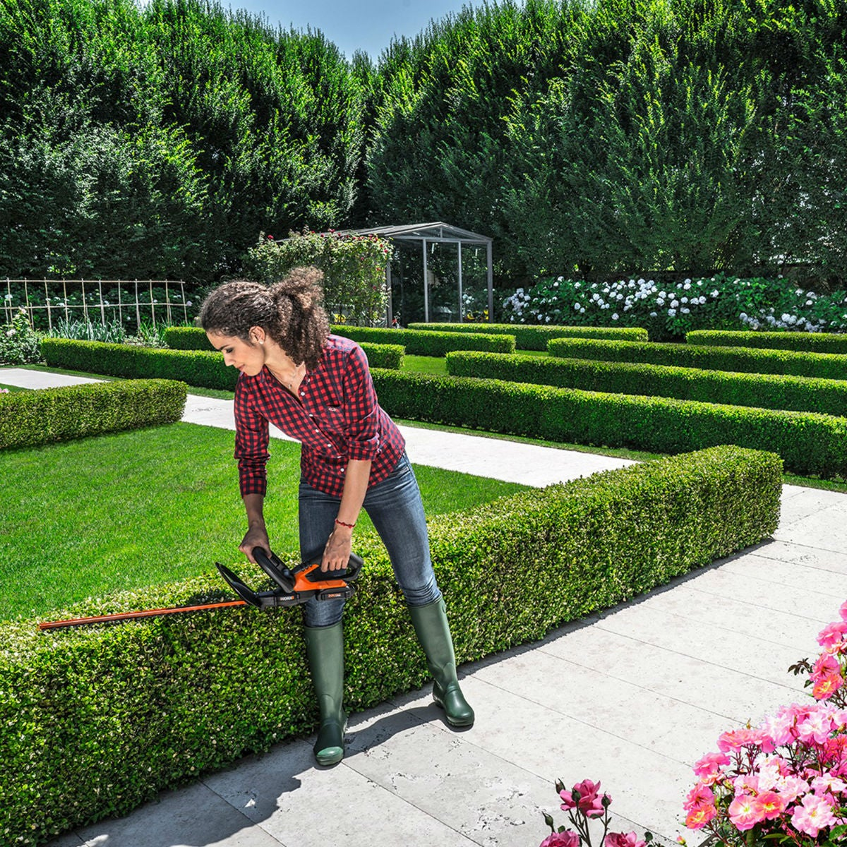 Best Hedge Trimmer: Worx