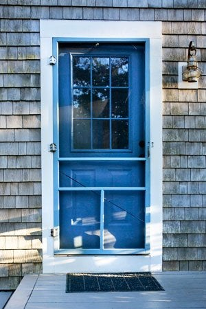 How to Install a Screen Door