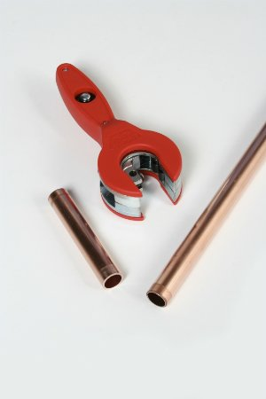 How To Cut Copper Pipe Using a Pipe Cutter