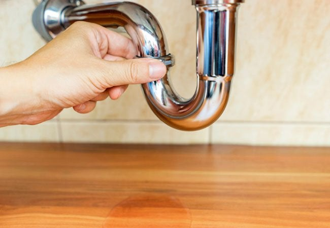 Clearing a Clogged Sink - Do's and Don'ts