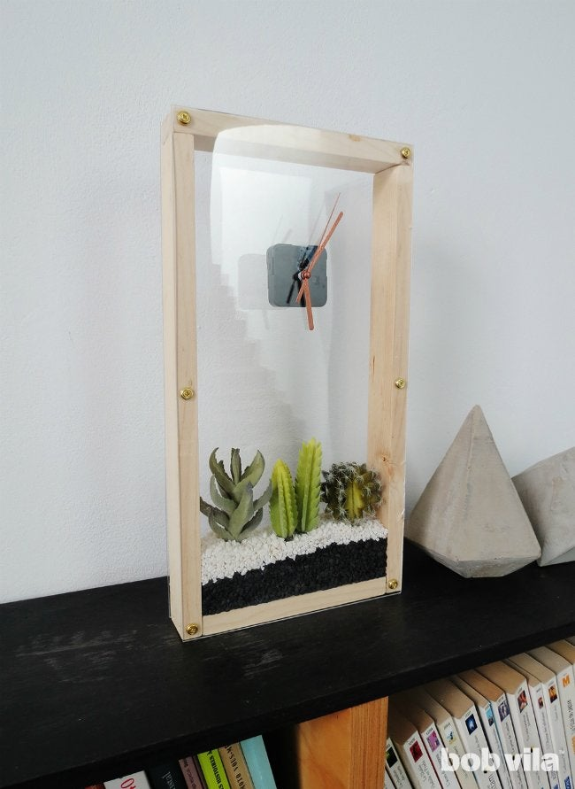 How to Make a Clock that Houses Succulents