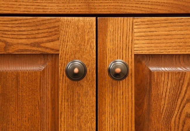 Replacing Kitchen Cabinet Hardware