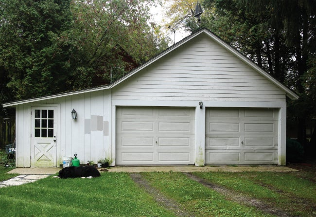 5 curb appeal lessons from a gorgeous garage makeover for Gorgeous garage